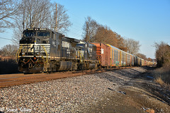 Slowing for Gm. (Machme92) Tags: ns norfolksouthern norfolk newpower ge american dash9 railroad railfanning railroads railfans rails rail row railroading railfan trains tracks trainrace railyard