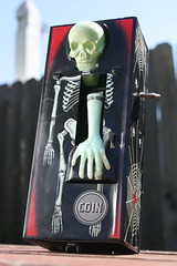 Coffin Bank (Yone 1960's) (Donald Deveau) Tags: coffinbank skeleton skull tintoy windup yone japanesetoy