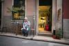mann vor laden (josefcramer.com) Tags: europe europa portugal lissabon lisboa lisbon menschen people urban street streetphotography leica m 240 rangefinder messsucher josef cramer flaneur city town colour stadtleben stadttmenschen summilux 24mm 50mm asph