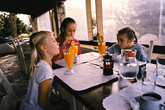 2016022_17 (lawa) Tags: 2016 october vera ida astrid oasis breakfast frangokastello crete greece orangejuice