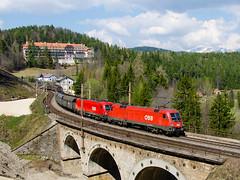 1116.126-4 + 1116.092-8 ÖBB, Wolfsbergkogel (cz.fabijan) Tags: railway železnice train vlak öbb österreichischebundesbahnen wolfsbergkogel 1116 1116126 1116092 semmering taurus es64u2 lokomotiva locomotive bahn zug semmeringbahn südbahn rakousko austria österreich at 500 siemens kartnerkogel viadukt