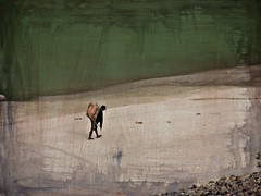 NEPAL, Auf dem Weg nach Pokhara, effecte, Holzsammler am Fluss,  16015/8273 (roba66) Tags: effecte textur texture mann menschen people man holzsammler reisen travel explore voyages roba66 visit urlaub nepal asien asia südasien
