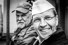 "#123 ""Hey Josef, what the hell are you doing on this planet?"" (Hendrik Lohmann) Tags: street streetphotography strase strassenfotografie streetportrait series portrait people menschen düsseldorf hinkel project whatthehell hendriklohmann analog fujifilm"