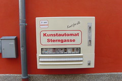 Kunstautomat, Sterngasse, Nrnberg (5 a go) (Cooperatoby) Tags: red art germany vendingmachine drainpipe selfservice nrnberg cigarettemachine sterngasse kunstautomat