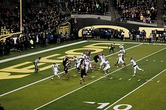 Quick Slant (tenfeet_tall) Tags: oregon nikon ducks eugene ncaa collegefootball autzen wazzu d90