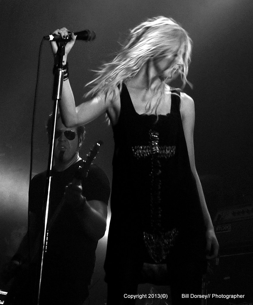 Taylor Momsen/ The Pretty Reckless
