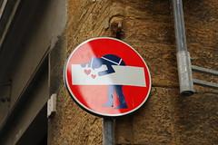 Funny road sign (Alessandro Casagrande Photographer) Tags: road city sign funny centro firenze cartello rosso stradale divertente città divieto buffo obbligo