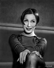 Elisa.  20s 30s style (Terry Minella) Tags: pentax67 moyenformat 20s 30s portrait bw noiretblanc