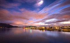 Afterglow (He_Da) Tags: zug zugersee switzerland schweiz sunset sonnenuntergang sun sonne afterglow abendrot abendstimmung eveningmood mond moon moonlight longexposure langzeitbelichtung harbor hafen