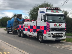 Volvo FH13 Rear Suspend Towing An 18 Ton Cement Mixer (JAMES2039) Tags: volvo tow towtruck truck lorry wrecker heavy underlift heavyunderlift 6wheeler 4wheeler rear rearsuspend daf 55 cardiff rescue breakdown ask askrecovery recovery fh13 pn09juc pn09 juc cementmixer cement mixer