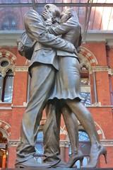 Lovers at St Pancras (gary8345) Tags: 2017 uk unitedkingdom greatbritain britain england london londonist stpancras station snapseed