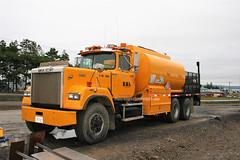 BML (PLEIN CIEL) Tags: servicetruck camiondeservice camionderavitaillement mack superliner citerne tanker