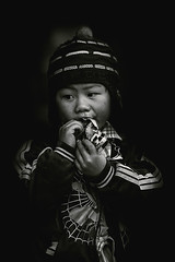 Vietnam (♫♪♭Enricodot ♫♪♭ an apple a day....) Tags: enricodot vietnam viaggio travel traveler children child childhood bn bw blackandwhite bianconero blackwhite portrait portraits people persone