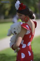 1861 (G de Tena) Tags: mujer woman perro chica gitana guapa