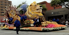 Lions Club International  : Celebrating 100 Years of Service (Prayitno / Thank you for (12 millions +) view) Tags: konomark lion club tor tournament roses rose parade pasadena outdoor float floral decoration entry centennial 100years celebration activity day time gloomy cloudy morning la los angeles ca california