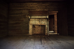 Hearth, Rountree House (1832) (Mike McCall) Tags: copyright2017mikemccall photography photo image southern georgia usa emanuel emanuelcounty history culture south twincity rountree house historic antebellum 1832 logcabin johnrountree hearth fireplace