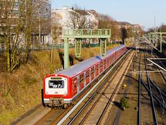 472.049 SHG, S 48422 (S21), Hamburg Dammtor – Hamburg-Sternschanze (cz.fabijan) Tags: railway železnice train vlak emu zug triebzug sbahn hamburg db deutschebahn s21 472049 br472 472 s48422 altona sternschanze d de německo germany deutschland