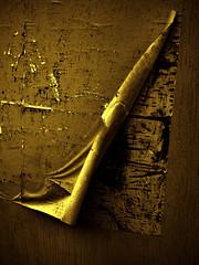 Gold Plated (Steve Taylor (Photography)) Tags: goldplate art digital gold brown yellow wood newzealand nz southisland canterbury christchurch cbd city shiny texture grain