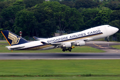Singapore Airlines Cargo | Boeing 747-400F | 9V-SFN | Singapore Changi (Dennis HKG) Tags: singaporeairlines sia sqc sq boeing 747 747400 boeing747 boeing747400 747400f boeing747400f cargo freighter aircraft airplane airport plane planespotting singapore changi wsss sin 9vsfn canon 7d 100400