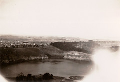 Browns Lake, Mount Gambier (Boobook48) Tags: foundphoto mountgambier southaustralia lake brownslake volcano crater
