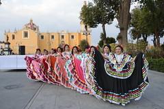 danza flolklorica de casa del abue (2) (Gobierno de Cholula) Tags: que chula cholula danza danzapolinesia danzasprehispánicas libro