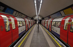 IMGP1515 (mattbuck4950) Tags: england london europe unitedkingdom may londonunderground railways northernline 2013 lenssigma18200mm claphamcommontubestation londonunderground1995stock camerapentaxkx