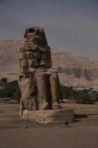 Colossi of Memnon 2009-02-14 12-57-30