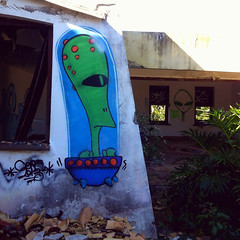 - (Corexplosion) Tags: graffiti alien ufo scifi et core graffitibrasil ufologia alienigina graffitisalvador coreomc graffitibaiano corexplosion corexplo graffitidesalvador