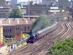 Steam at Nine Elms (Deepgreen2009) Tags: trains battersea railways nineelms black5 uksteam cathedralsexpress 44932