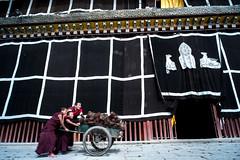 2013_MengHuanGanNan_TWO-110 (Onni / Xijia Cao) Tags: china trip travel summer vacation holidays journey fujifilm sichuan fujinon voigtlnder gannan superebc gettychinaq2