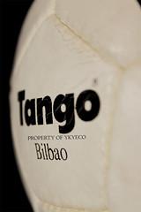TANGO BILBAO OFFICIAL FIFA WORLD CUP DESIGN ADIDAS 1983 MATCH BALL 07 (ykyeco) Tags: world cup ball design football official spain fussball top fifa soccer ballon bilbao tango match 1983 bola adidas pelota palla balon pallone    omb   spielball