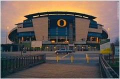 Autzen Stadium (JSB PHOTOGRAPHS) Tags: evening lowlight nikon dusk stadium clean plugin nikkor f28 d1 eugeneoregon topaz goducks autzen 1755mm restyle dsc2098