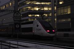 POS TGV am Bahnhof Bern Bmpliz Nord bei Bern im Kanton Bern in der Schweiz (chrchr_75) Tags: train de tren schweiz switzerland suisse suiza swiss eisenbahn railway zug sua locomotive christoph dezember svizzera bahn treno chemin centralstation sveits fer locomotora tog juna lokomotive lok sviss ferrovia zwitserland sveitsi spoorweg suissa locomotiva lokomotiv ferroviaria  locomotief chrigu  szwajcaria rautatie 1312   2013 zoug trainen  chrchr hurni chrchr75 chriguhurni chriguhurnibluemailch dezember2013 albumbahnenderschweiz2013712