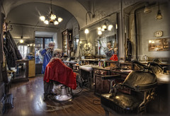 the old barber at work (celestino2011) Tags: barbiereallavoro hdr rilfessi luci finestre rosso sedie blinkagain flickrsfinestimages1 novembre2016challengewinnercontest