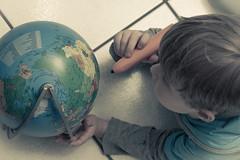 Explore! (O.I.S.) Tags: world boy ball toy tim globe child play kind curious spielzeug learn kugel spielen welt globus lernen tiptoi