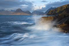 Elgol waves (John Finney) Tags: seascape skye scotland isleofskye wave loch newyearsday swoosh cullin elgol
