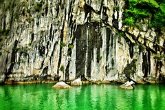 Surface textures: Halong Bay, Vietnam (hethelred) Tags: world leica cliff green heritage water rock landscape bay site 28mm surface vietnam formation textures limestone vegetation 28 lush karst emerald halong m9 elmarit