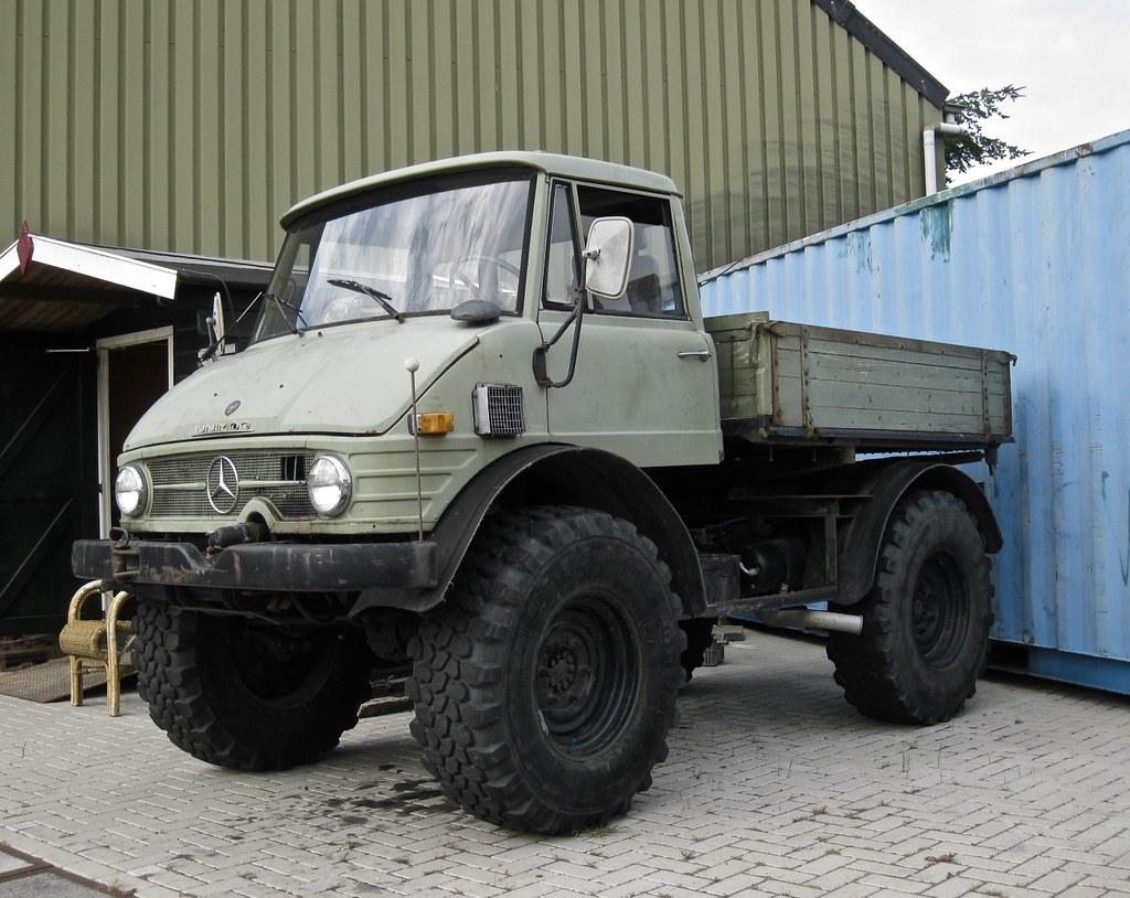 The world 39 s best photos of 4x4 and vrachtwagen flickr for Mercedes benz 4x4 truck