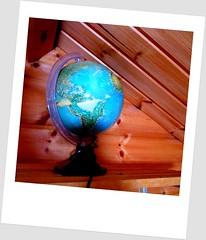 This planet is broken (Lohijärven kylähistorian kuvakavalkaadi) Tags: kartta map maapallo karttapallo planet earth globe pallo aitassa vintage retro