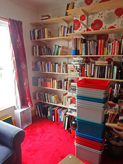 2017_04_140002 (Gwydion M. Williams) Tags: books bookcases sorting coventry britain greatbritain uk england warwickshire westmidlands chapelfields sirthomaswhitesroad