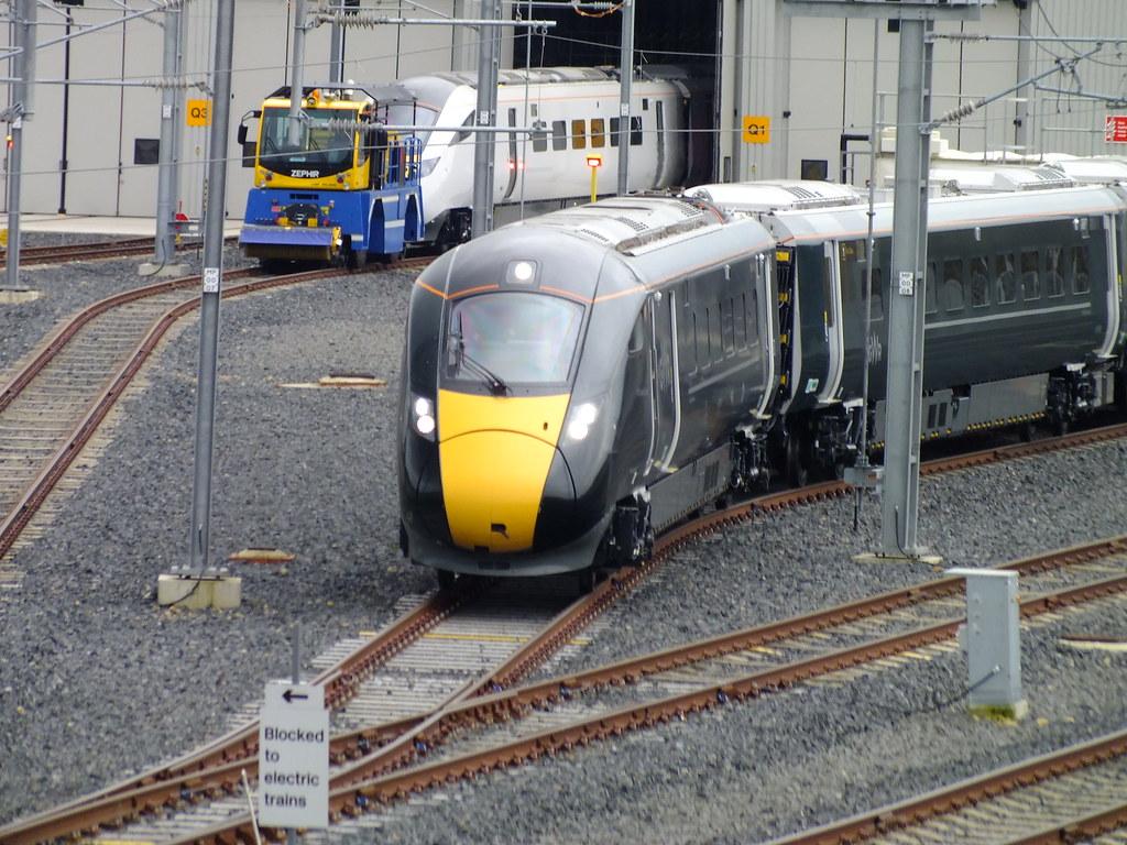 hitachi 800. hitachi 800 class train . (steven.barker57) tags: iep 800004