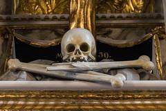 Marienkirche (michael_hamburg69) Tags: wolfenbüttel germany deutschland niedersachsen hauptkirche bmv church kirche beataemariaevirginis skull bones detail altar totenschädel knochen altardetail