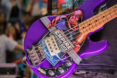 The Empire Strikes Back (guanaeslucas) Tags: música music sound sons purple roxo jotaquest band show bass baixo chords corda canon dslr t6i 760d brasil brazil colors cores starwars