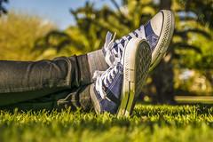 Zapatillas (palm z) Tags: alicante españa spain hierbaa yerba césped piernas zapatillas tumbada