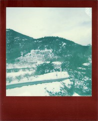 001(12) (rubeninstant) Tags: polaroid supercolor 635cl 635 impossible impossibleproject impossiblebarcelona filmisnotdead instantfilm istillshootfilm redframe lucky8 freeze snow snowed mountains landscape