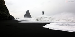 Black sand beach - Reynisfjara (Nino H) Tags: iceland islande south beach sand black plage waves reynisfjara