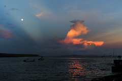 Sunset with moon Puerto Ayora Galapagos (DROSAN DEM) Tags: sunset atarcecer full moon luna llena ayora ecuador galápagos galapagos sky sea mar cielo nubes cloud