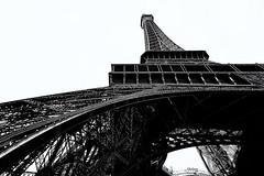 Torre Eiffel (PilaReina) Tags: paris eiffel silueta blancoynegro monocromático arquitectura estructura blackandwhite canon tourtheplanet
