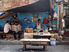 Kolkata - Tea stall (sharko333) Tags: travel voyage reise street india indien westbengalen kalkutta kolkata কলকাতা asia asie asien people shop stall tea chai vendor olympus em1