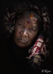 PASHUPATINATH, Népal (Komi07) Tags: old portrait portraiture world trip travel woman poor population people canon 5d 135mm street voyage asie asian asia népal pashupatinath photography